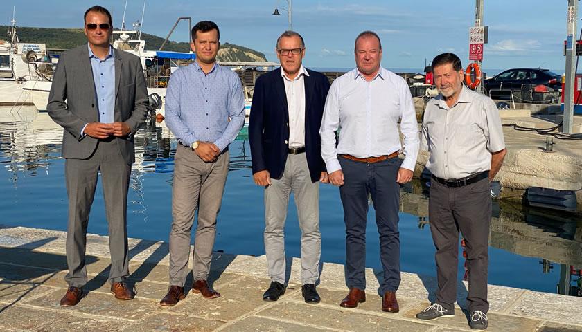Občina Izola z izvajalcema podpisala pogodbo za obnovo ribiške infrastrukture